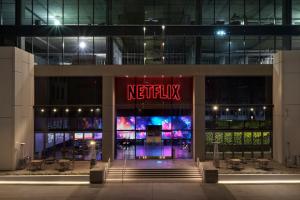Netflix dostanie kilka filmów rocznie od Stevena Spielberga