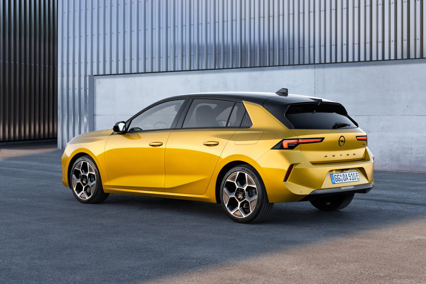 Opel Astra 6. generacji tył