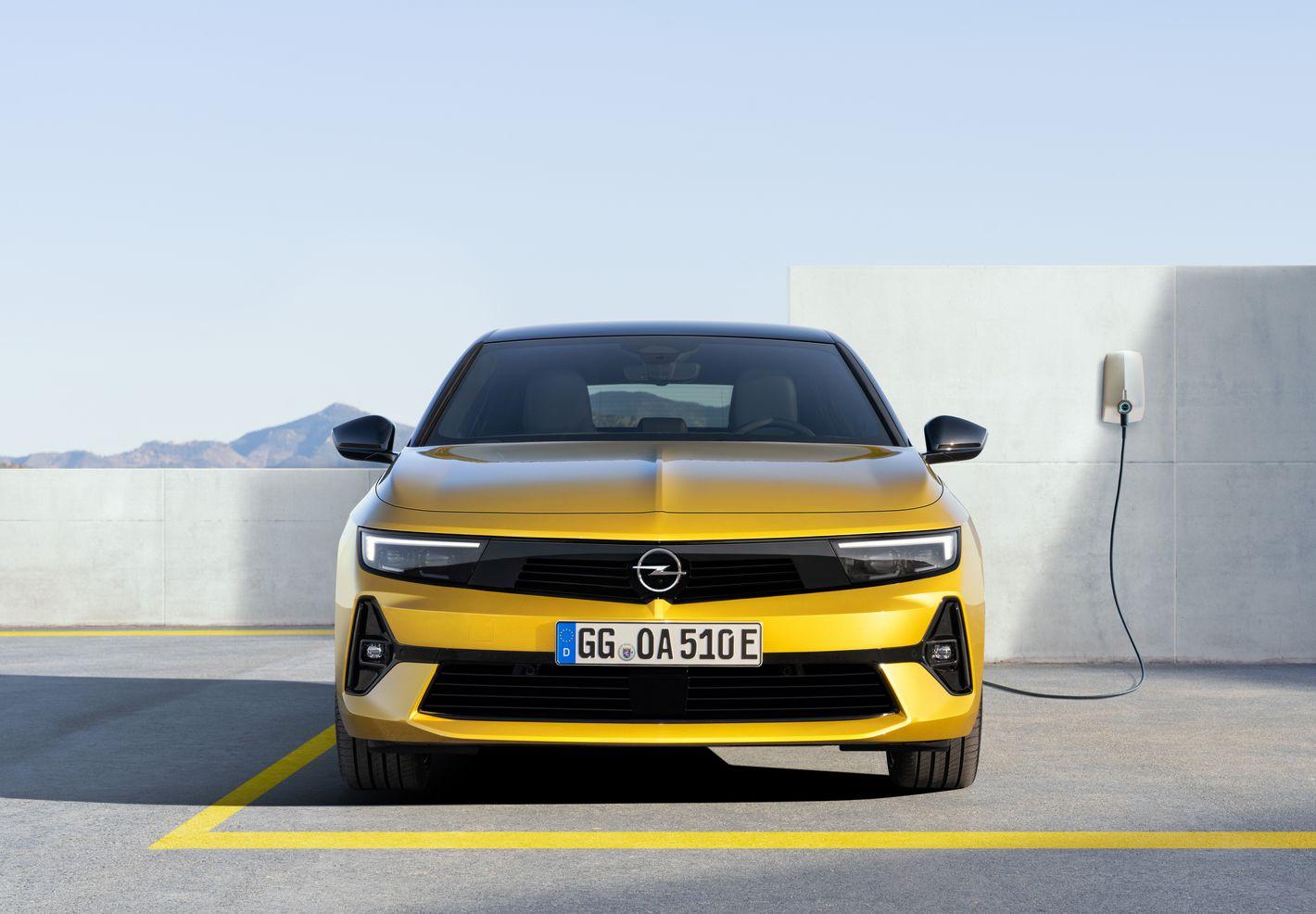 Opel Astra 6. generacji hybryda plugin
