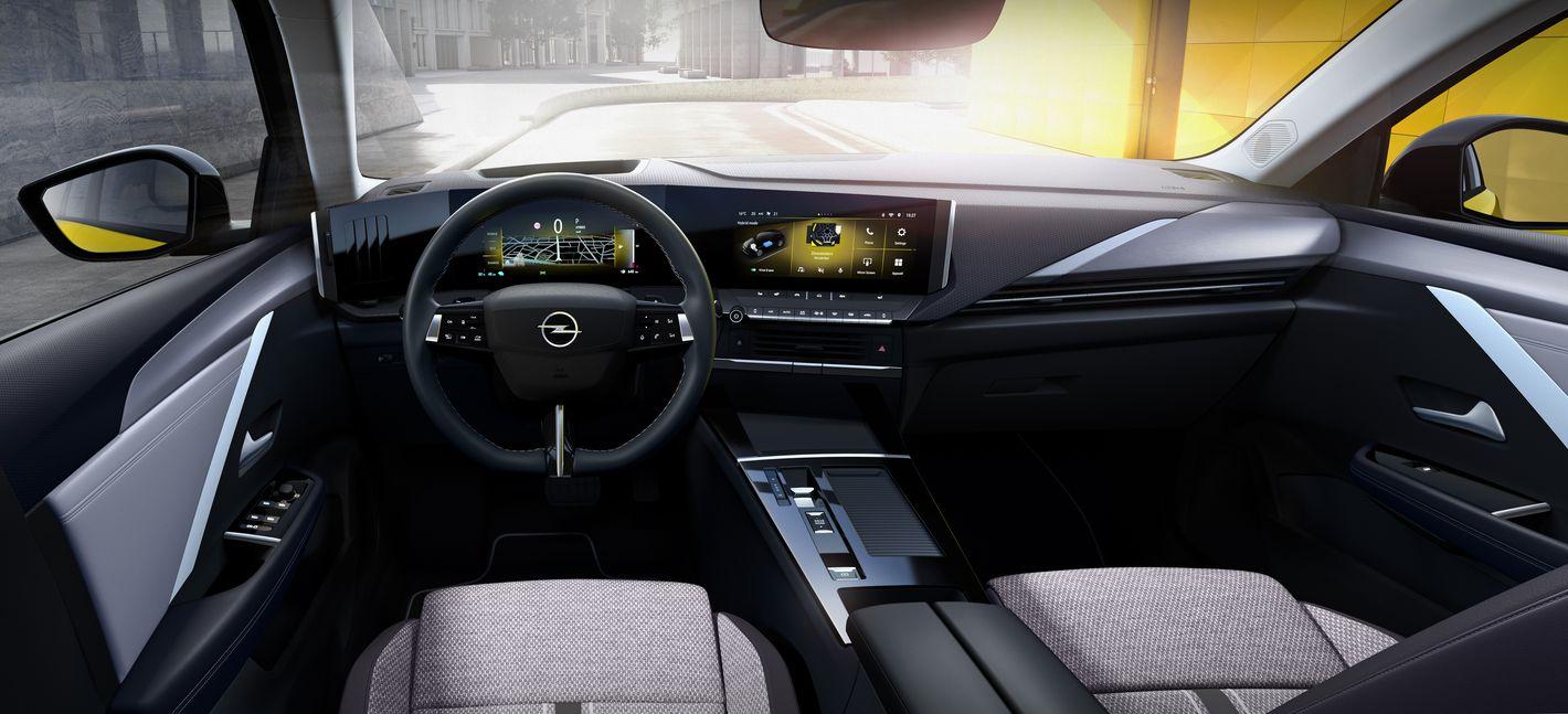 Opel Astra 6. generacji wnętrze