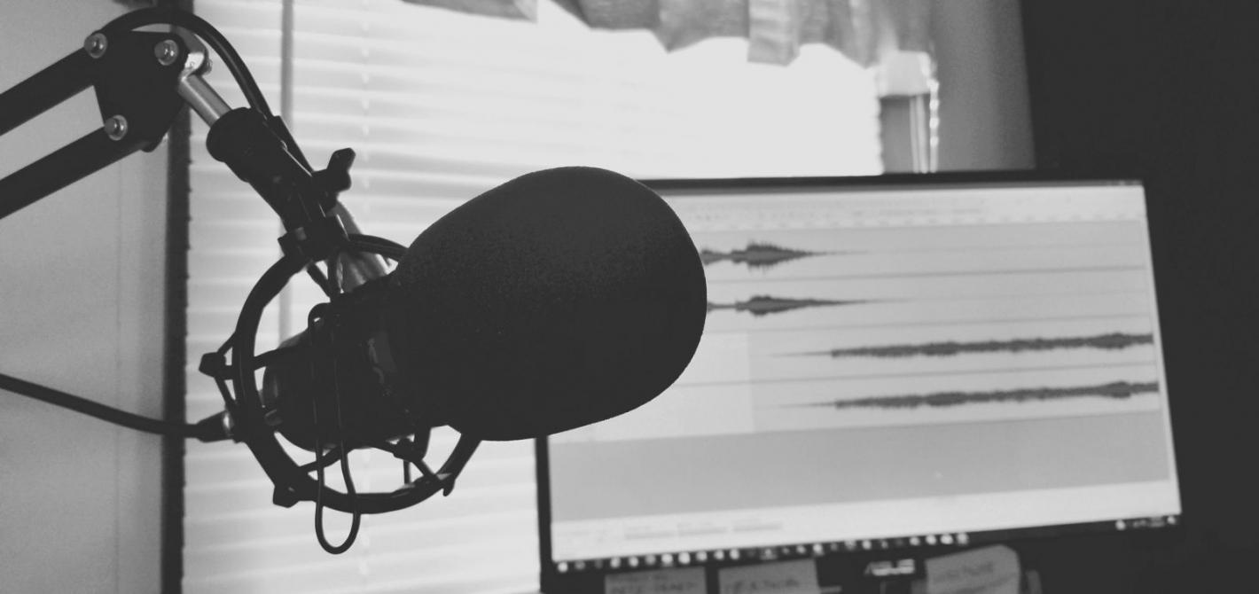 Kto tworzy audiobooki? Zaglądamy za kulisy produkcji audio